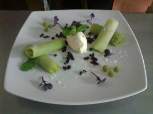 Asparagus, green apple and leek cannelonii with Goat Cheese