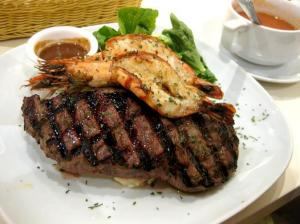 Steak with shrimps in safflower